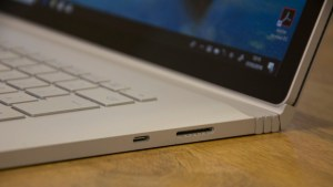 microsoft_surface_book_2_15in_review_-_ports2