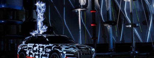 audi_e-tron_concept_car_electricity_strike4