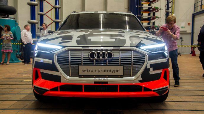 audi_e-tron_concept_car_front_grill