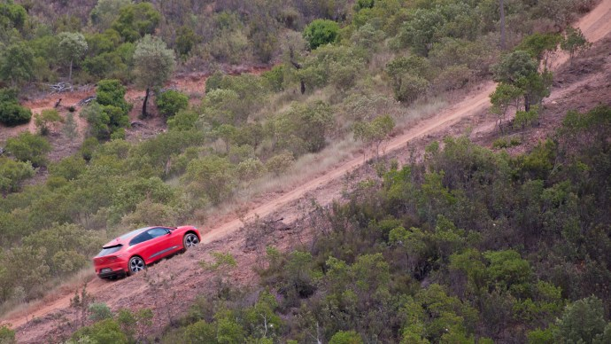 jaguar_i-pace_review_first_edition_off-road_climb