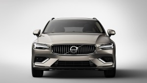 sponsored-new-volvo-v60-exterior_front