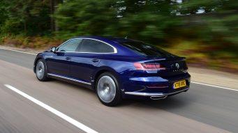 volkswagen_arteon_driving_rear