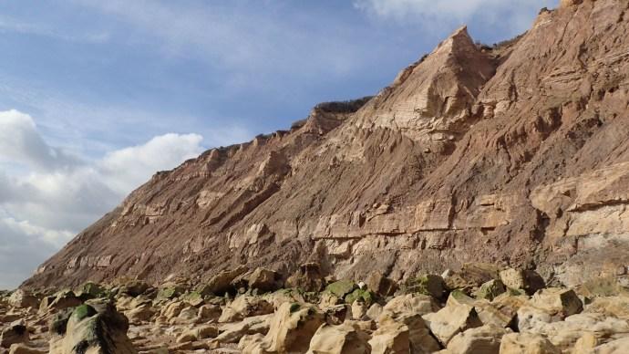 hastings_cliffs_dinosaur_fossils