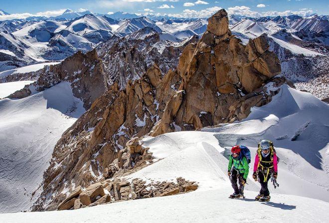 climb-mustang-himal-summit_86087_990x742