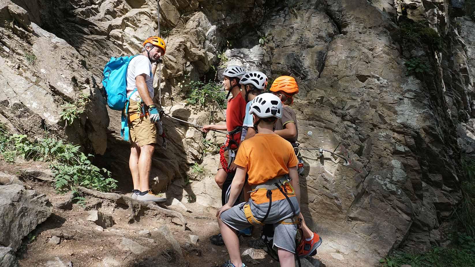 Klettersteigset Notwendig : Klettersteig mit kinder und jugendlichen eine besondere herausforderung!