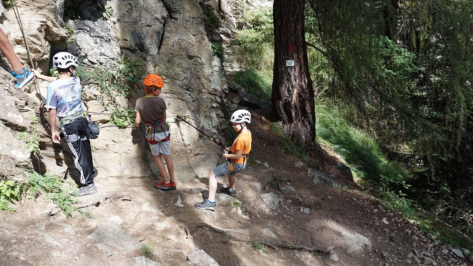 Klettersteigset Montieren : Klettersteig mit kinder und jugendlichen eine besondere herausforderung!