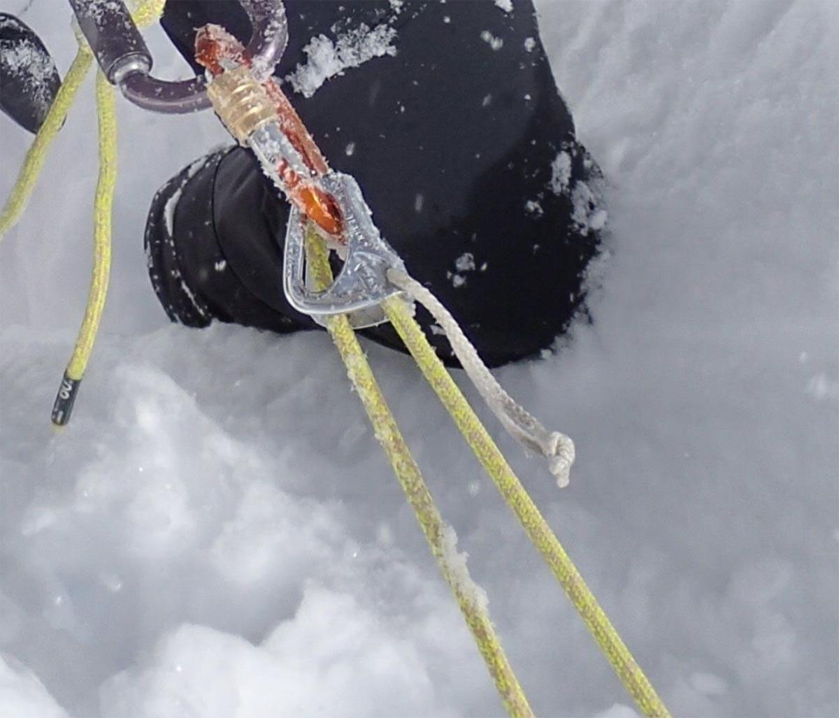 Dyneema in der Praxis, Belastung des Mantels bei Verwendung von Klemmen | Alpine Kompetenz