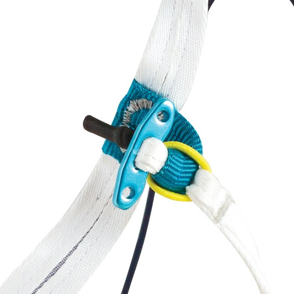 chloucas-light-Beinschlaufenverschluss-blue-ice-alpine-kompetenz
