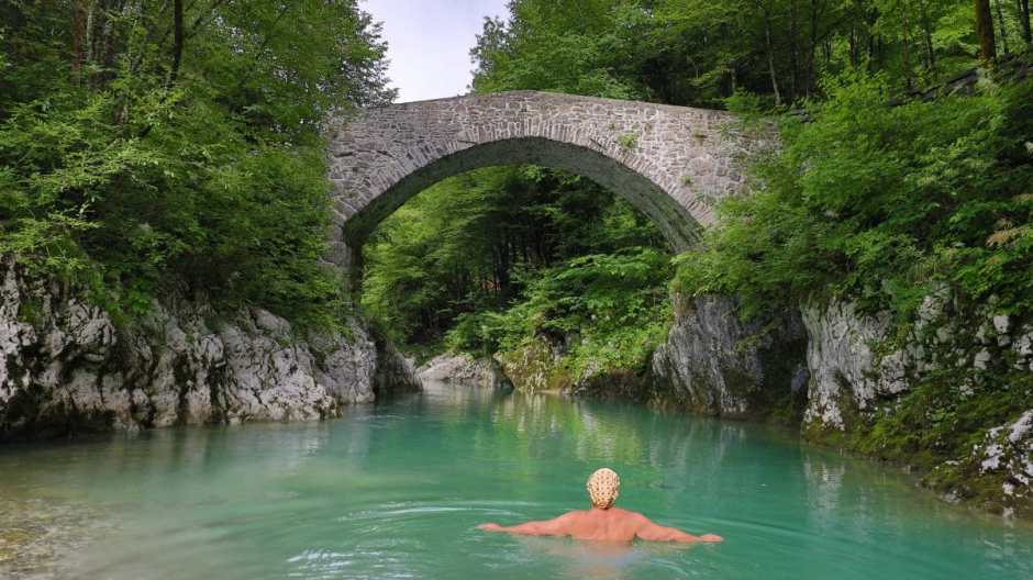 There are other wildswimming spots on the Nadiza too - but this one at the Napoleonbridge is the most idyllic.