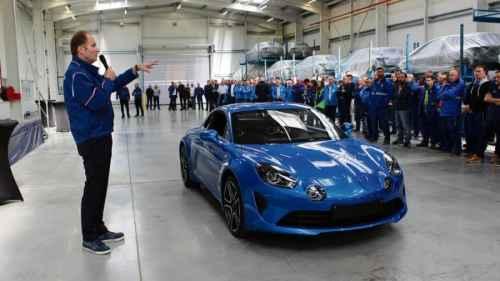 Présentation de l'Alpine A110 à l'usine de Dieppe avec l'équipe Signatech