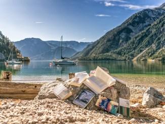 Bei der achensee.literatour wird der See zur Bühne und die Landschaft zur Kulisse. // Foto: Achensee Tourismus