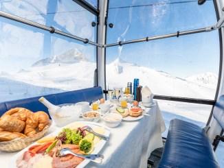 Ein ungewöhnliches Event: das Gondelfrühstück am Hintertuxer Gletscher. // Foto: Archiv Hintertuxer Gletscher