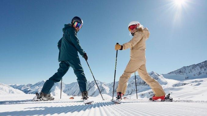 Herbstskilauf mit Aussicht am Stubaier Gletscher: 8. Oktober 2021 ist Saisonstart. Bild: Stubaier Gletscher / Andre Schönherr.