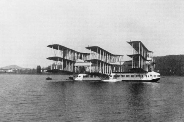 Hidroavión de lujo de 1921, sin duda una máquina que deja con la boca abierta.