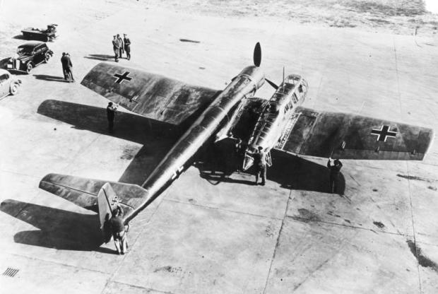 Posiblemente, el avión más asimétrico de la historia. (German Federal Archives, CC-By-SA).