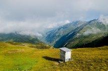 MÄNTEL 2498 m Obergoms Die Hütte auf dem Mändeli ist in Privatbesitz. Sie liegt in der Nähe des Griessee. Zu erreichen ist der Stausee nur über den Nufenenpass. Der verbindet den Kanton Wallis mit dem Kanton Tessin.