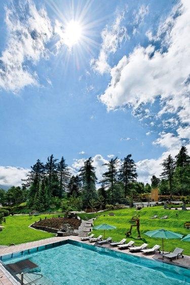Hotel Klosterbräu. Poolposition: Im Sommer ist das Langlauf-Zentrum Seefeld herrlich entspannt