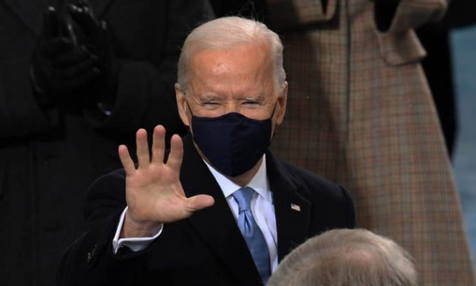 Biden signs a decree to lift travel restrictions imposed by the Trump administration on some Muslim countries