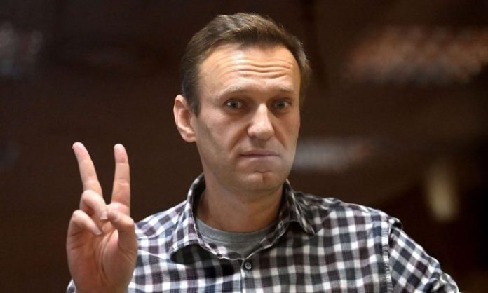 Russian dissident Navalny continues his hunger strike inside the prison hospital