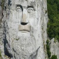Origen de la literatura serbia