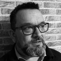 Entrevista a Óscar Navarro, poeta