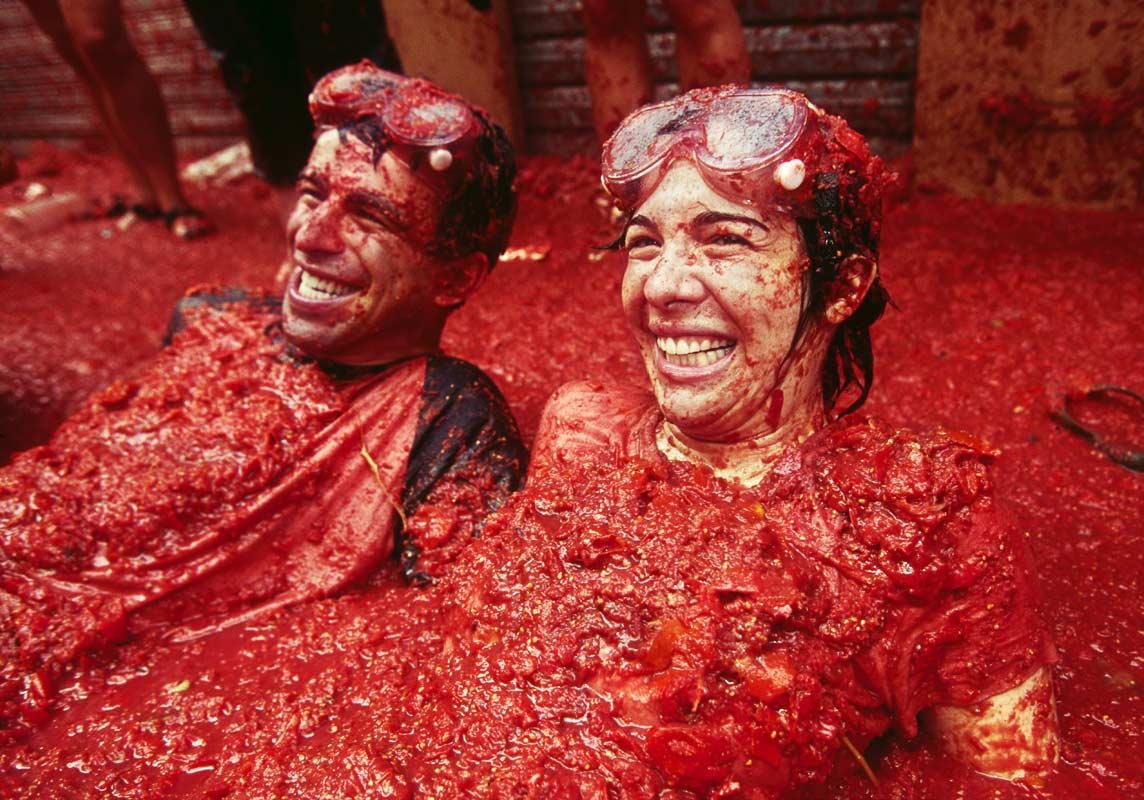 نتيجة بحث الصور عن مهرجان رمي البندورة في اسبانيا