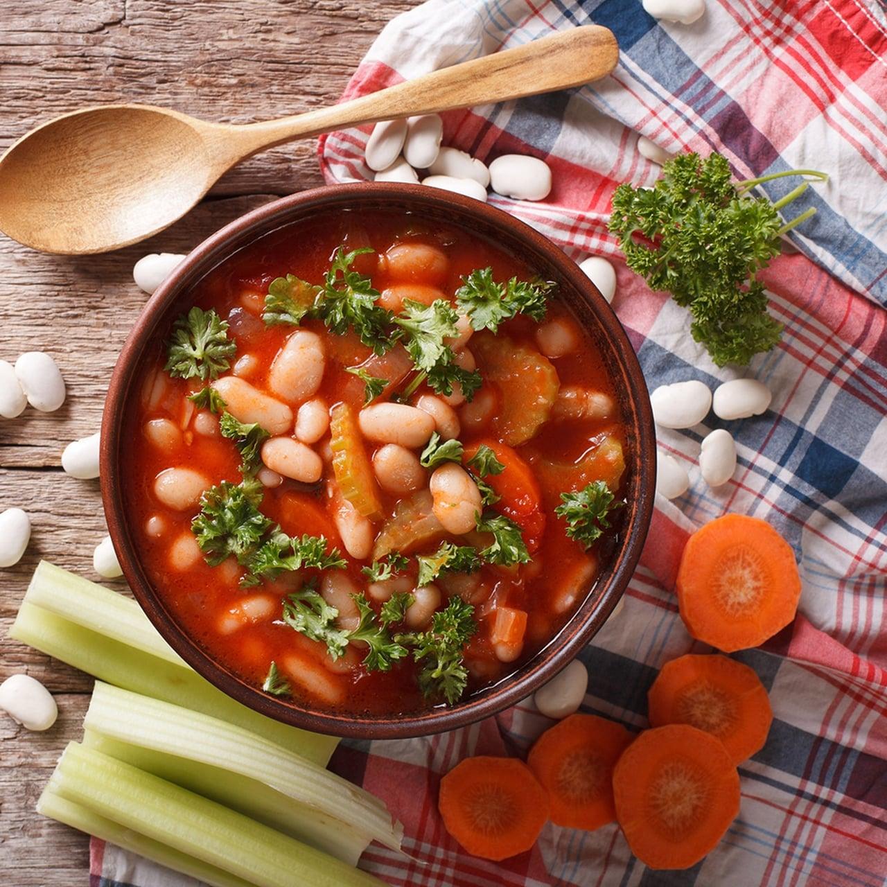 طريقة عمل شوربة الطماطم بالخضروات الراقية