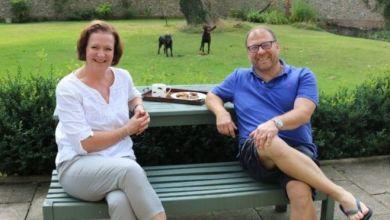 بول وزوجته جيل التي أنقذت حياته مرتين بإنعاش قلبه ورئتيه