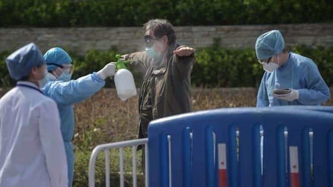 بدأت الصين إجراءات صارمة للحد من انتشار فيروس كورونا منذ بداية يناير/ كانون الثاني الماضي AFP