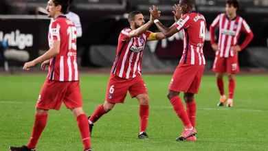 لاعبو اتلتيكو مدريد يحتفلون بالفوز على فالنسيا 1-صفر في الدوري الغسباني لكرة القدم في 28 تشرين الثاني/نوفمبر خوسيه جوردان ا ف ب