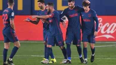 جواو فيليكس (يمين) يحتفل مع زملائه بعد تسجيله الهدف الثاني لأتلتيكو مدريد في مرمى مضيفه فياريال