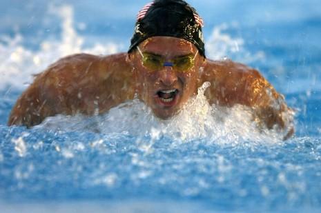 تفسير حلم رؤية من يسبح في البحر أو السباحة بالماء لابن سيرن