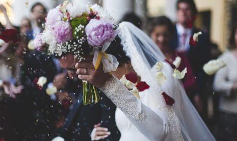 حلم رؤية الزواج للعزباء من شخص تحبه