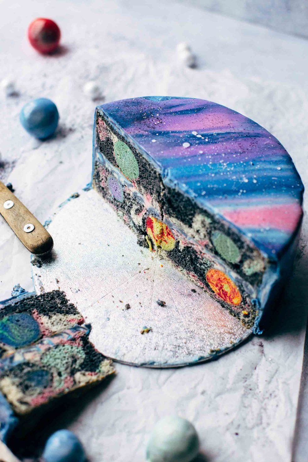 Mirror Glaze Galaxy Cake 15