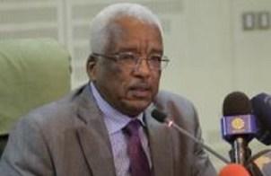البشير يُعيد الزبير مديراً لبنك السودان
