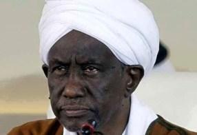 """علي عثمان: هل ما يزال الكذب عن """"نقلة حضارية لإنسان السودان"""" يجدي؟"""