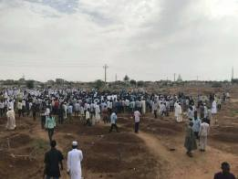 اعتقالات وإغلاق لسوق ليبيا بعد احتجاجات طلابية
