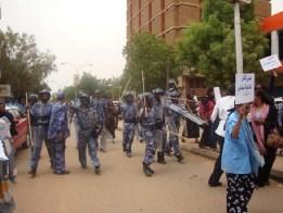 المركز الافريقي: تقرير عن أوضاع النساء المدافعات عن حقوق الإنسان السودان