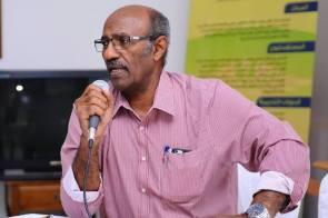 فرنسا تمنح وساما أكاديميا لعالم سوداني