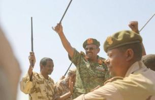 حميدتي يتهم مجموعة في الحكومة بالتآمر ويتحدى أحمد هارون