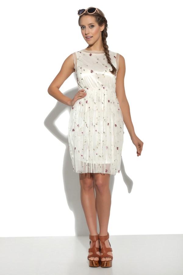 Sukienka tiulowa mini haftowana Crazy Daisy modelka front