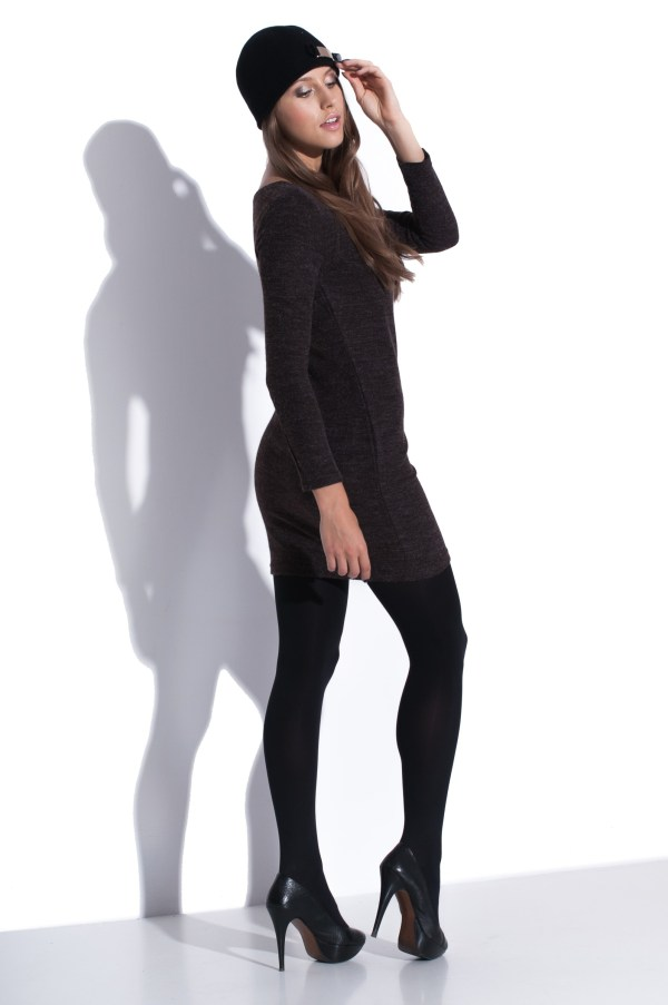 Robe mini d'automne avec manches longues model back