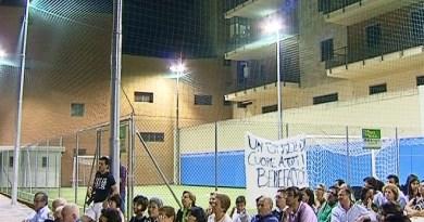 Un immagine dell'inaugurazione del campetto