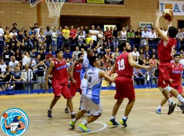 Una fase delle partita tra Libertas e Manfredonia