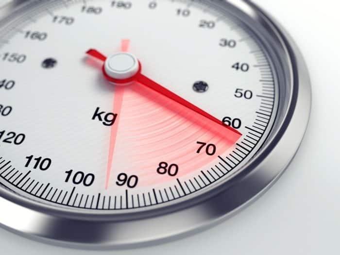 هل النوم لفترات غير كافية يزيد الوزن؟