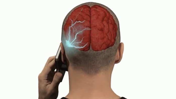 دراسة إدمان الهواتف الذكية والانترنت يؤثر على كيمياء المخ
