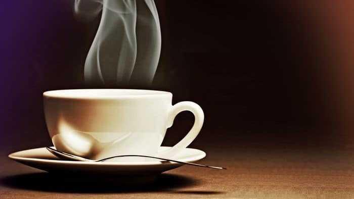 كوب دافئ من الشاي يوميا يحميك من الإصابة بأحد أمراض العين الخطيرة