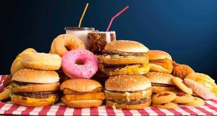 دراسة تربط بين استهلاك الأطعمة المعالجة والإصابة بالسرطان