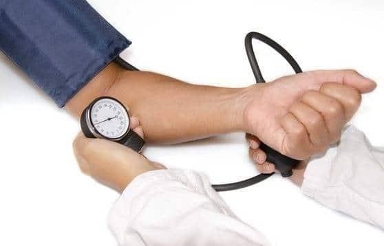 هل السبيرونولاكتون أم الكلونيدين يُعد خيارًا أفضل كعلاج رابع لعلاج حالات ارتفاع ضغط الدم المقاوم Resistant Hypertension