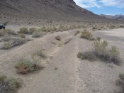 Death_Valley_NP_-_Racetrack_Playa_-_trench